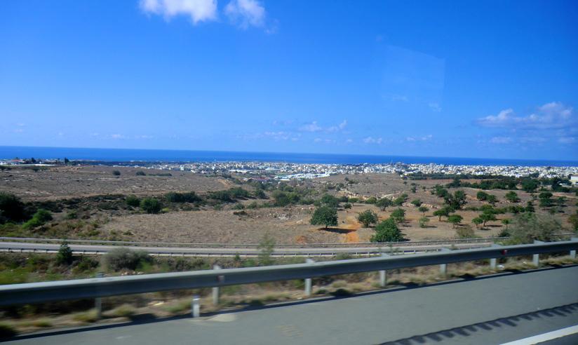 Подъезжаем к Пафосу