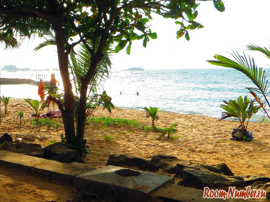 пляж hikkaduwa