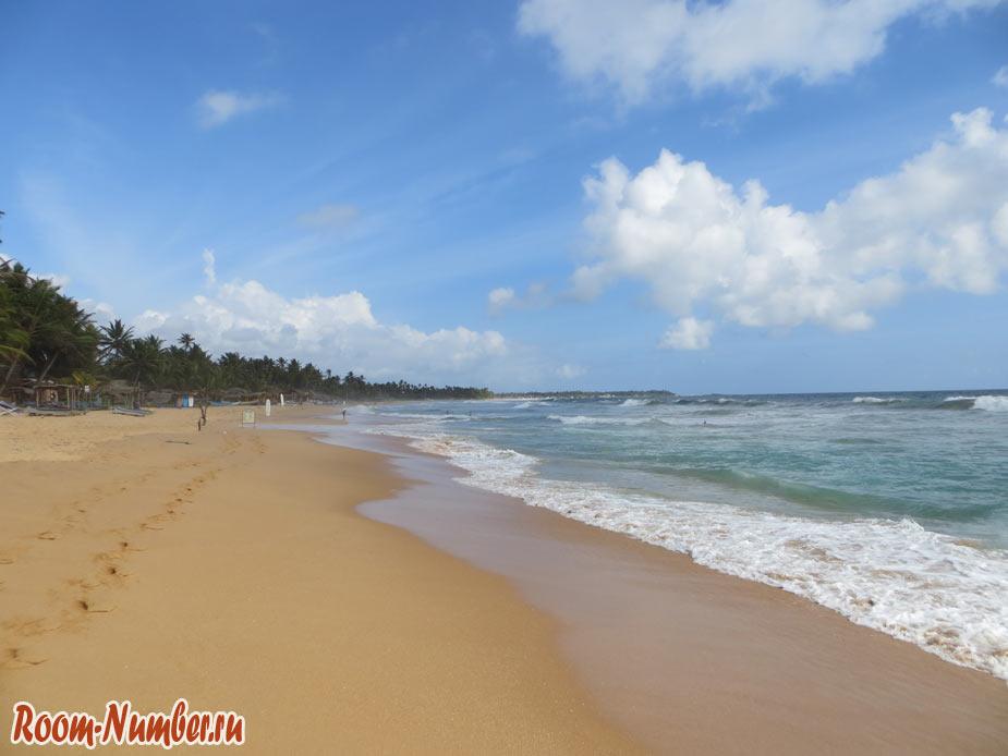 Волны на море в Шри-Ланке