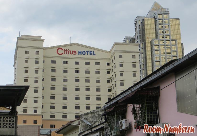 Недорогой отель в Куала-Лумпур с бассейном и завтраком Q Hotel