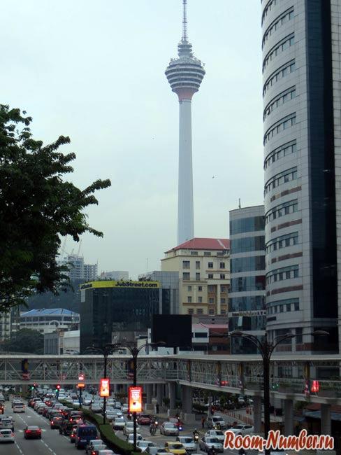 Фото: Куала-Лумпур, башня Менара