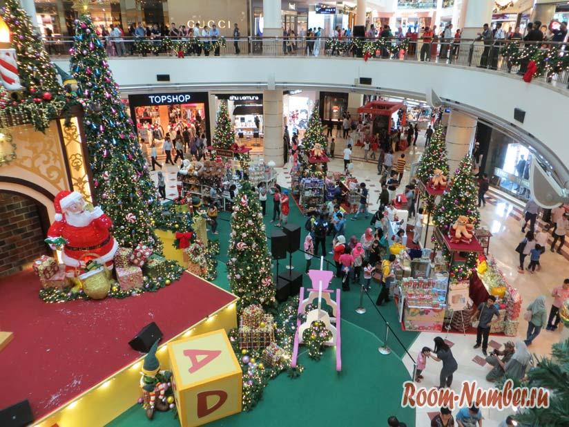 Новый год в Малайзии фото торгового центра
