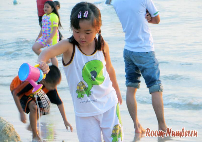 Langkawi дети на пляже