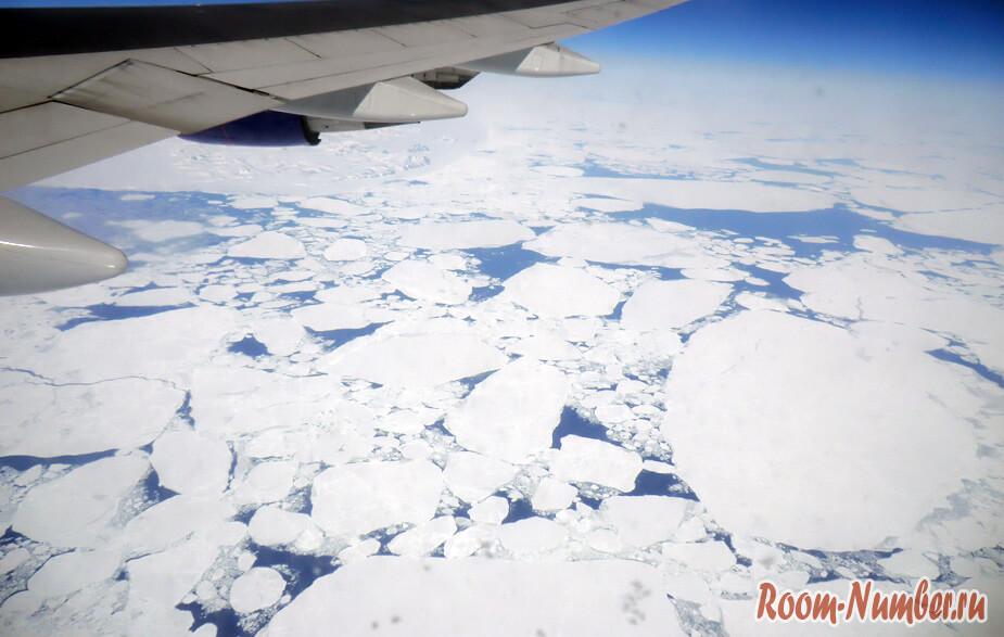 Гренландия с высоты 10 тысяч метров