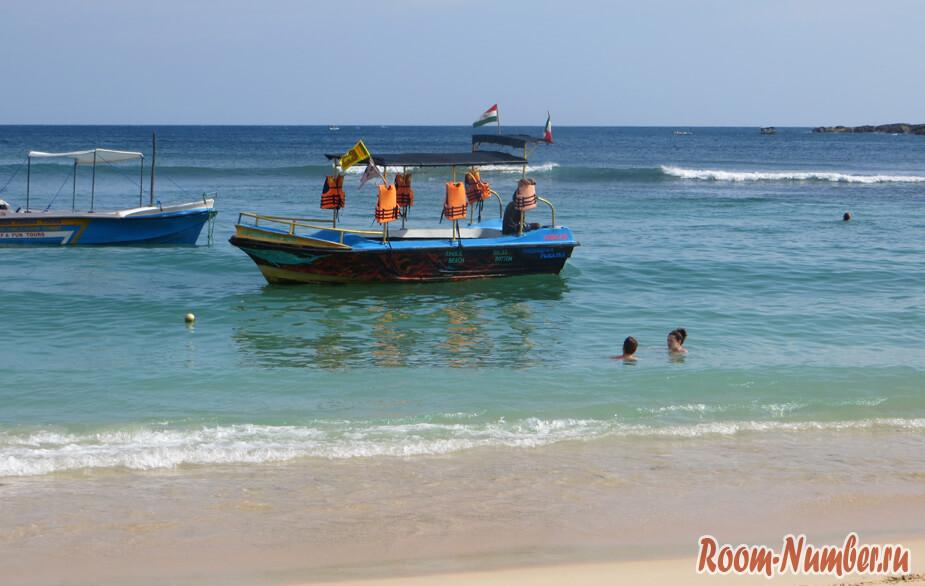Шри-ланка, пляж Унаватуна. Фотография береговой линии