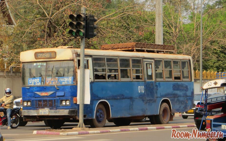 автобус лаос