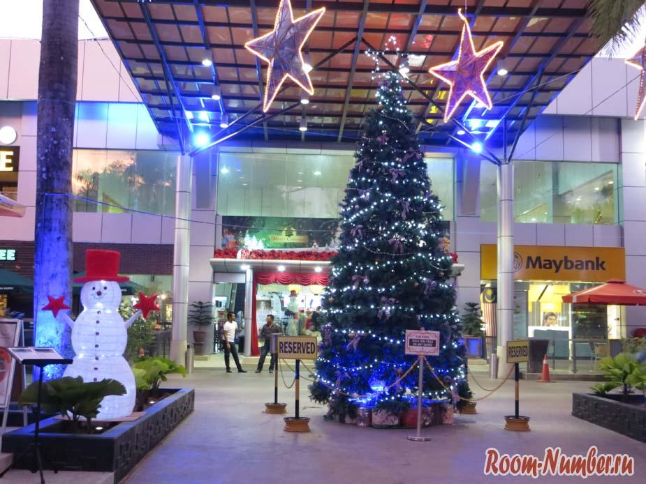 Cenang-Mall-01