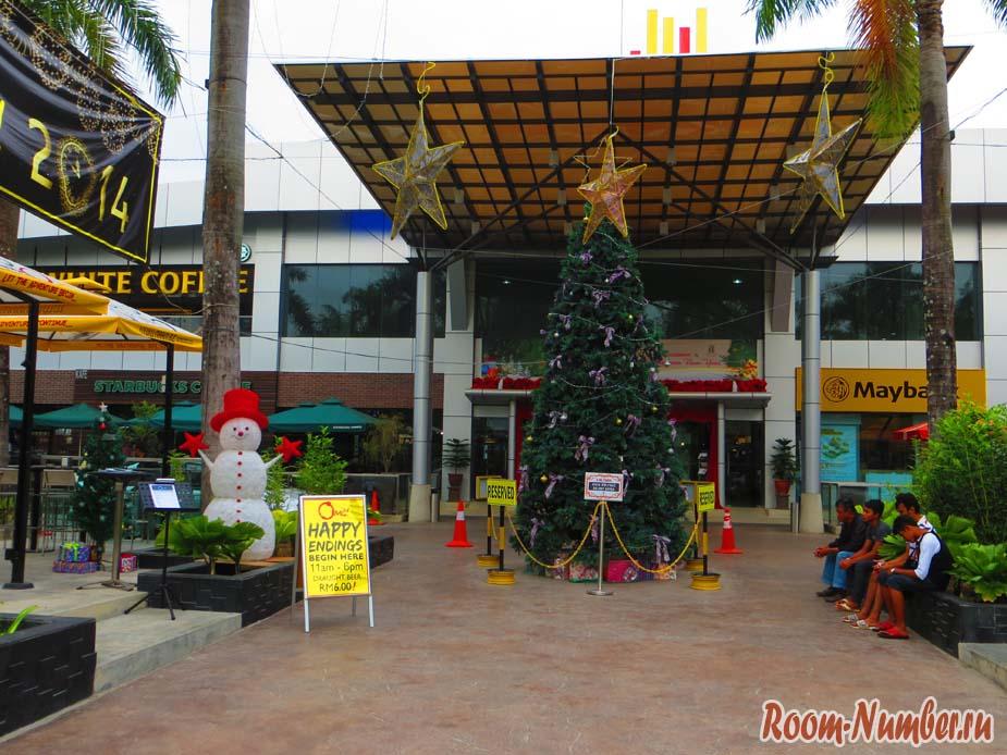 Ченанг молл Лангкави — центральный торговый центр на Пантай-Ченанг