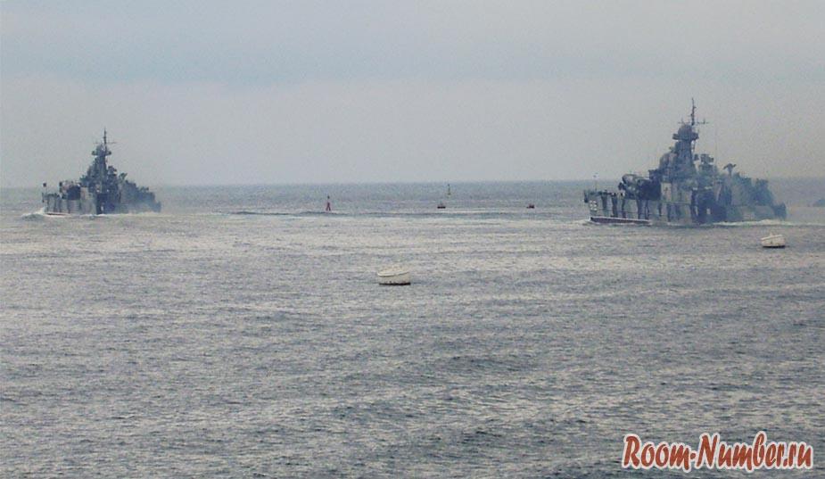 День ВМФ России в Севастополе. Корабли вышли в море