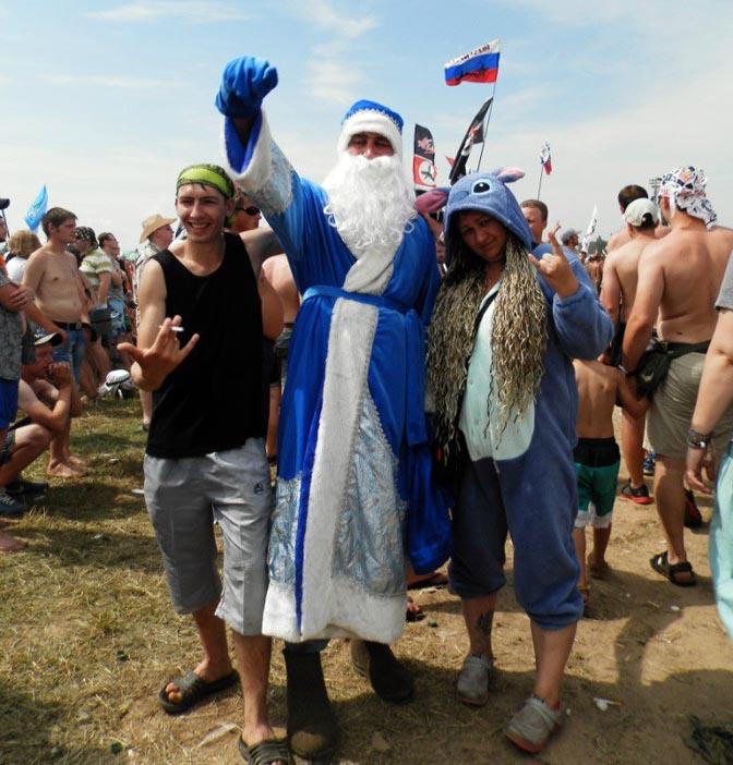 Рок-фестиваль Нашествие, зрители в костюмах