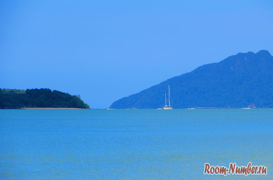 Море и горы острова Лангкави