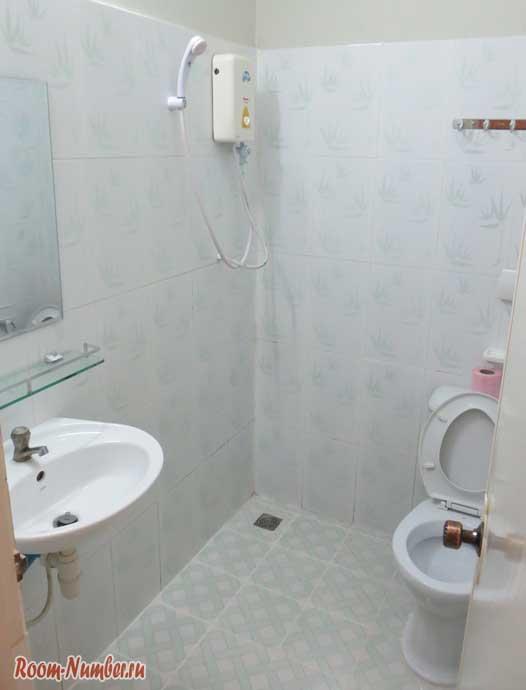 Туалет в Zana Beach
