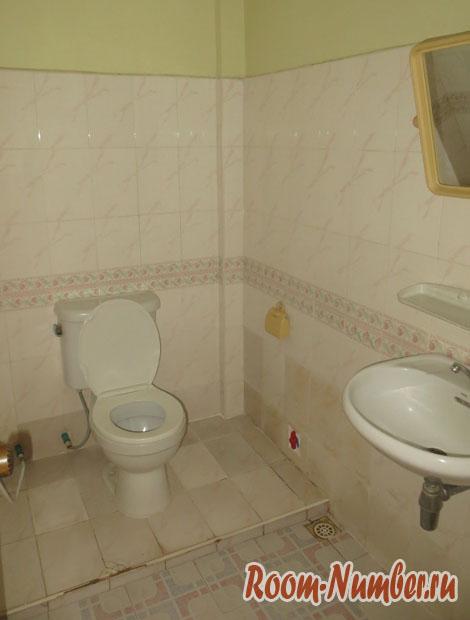 туалет и душ в гест хаусе