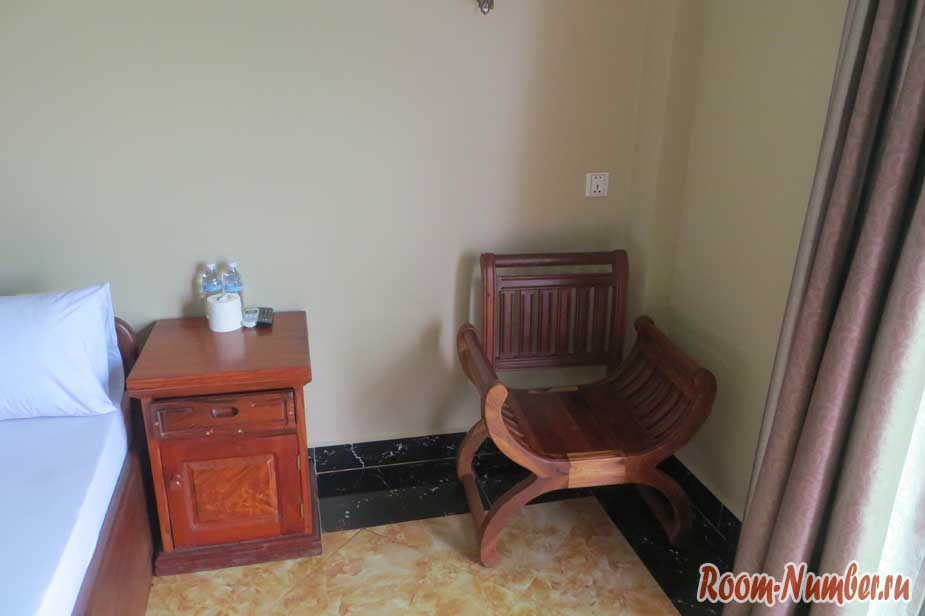 тумба и стул