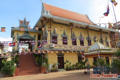 Храм в Камбодже - пагода в Пномпене