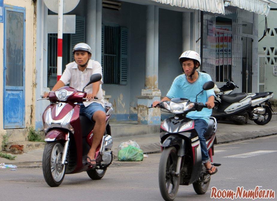 вьетнамцы на байках