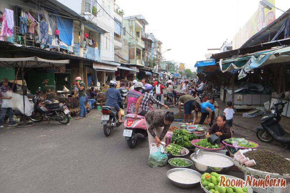 Продуктовый рынок в Нячанге