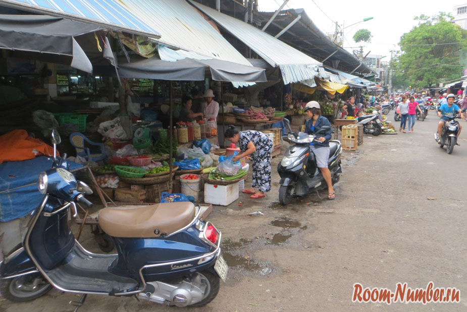Рынок в Нячанге: Xom Moi Market