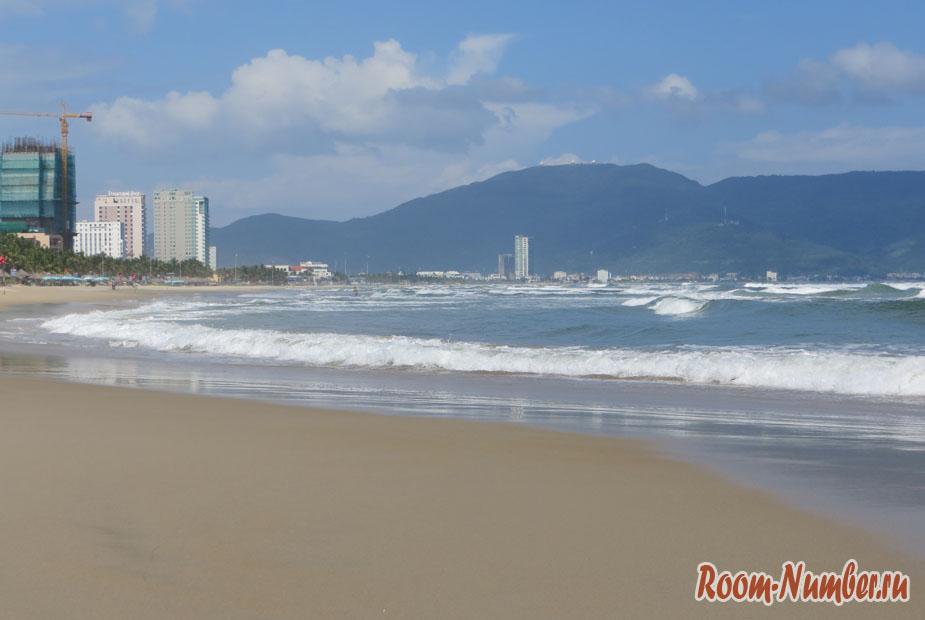 Китайский пляж в Дананге, который был признан одним из самых лучших в мире