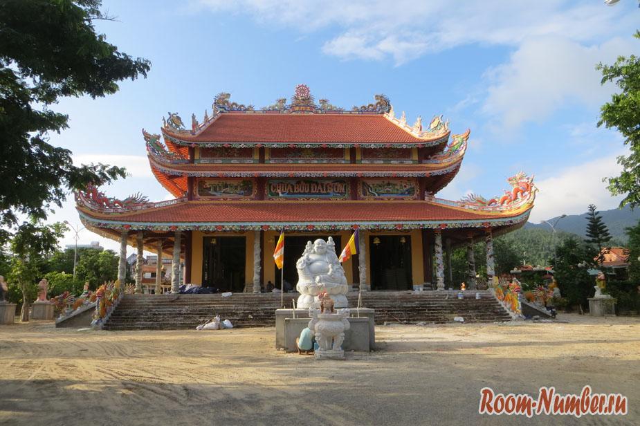 Chua Buu Dai Son — малоизвестный храм на севере Дананга