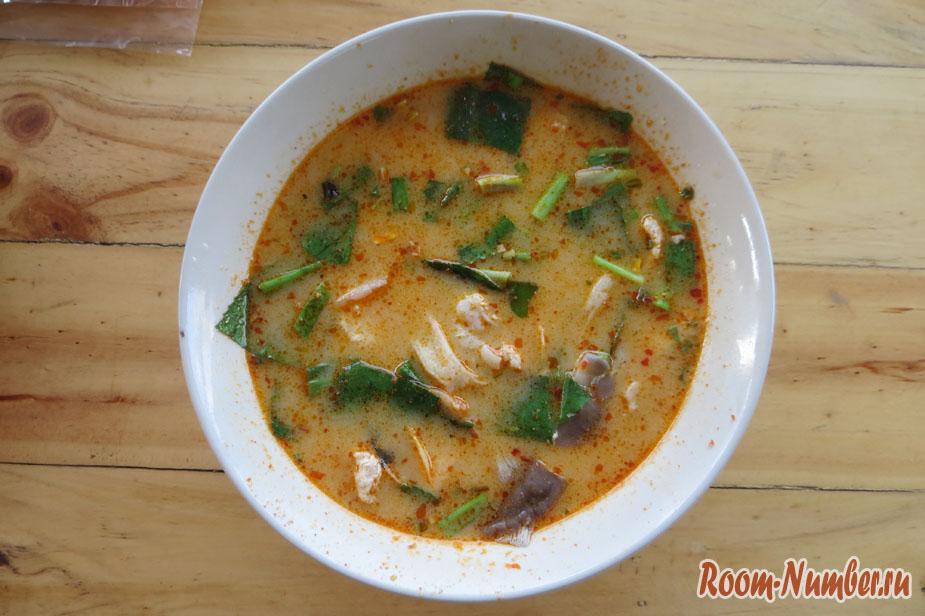 Где вкусно и дешево поесть Том Ям в Паттайе
