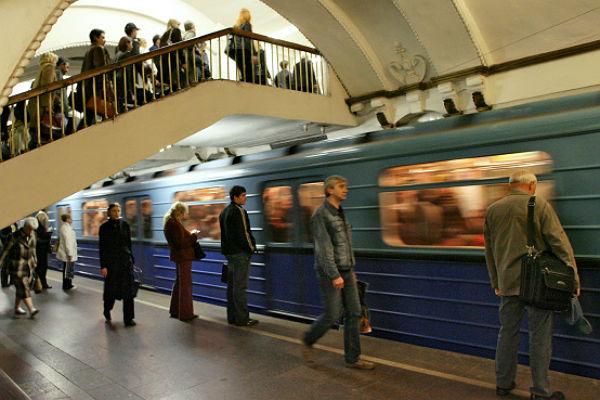 neyvachenie-dryg-k-drygy-v-metro