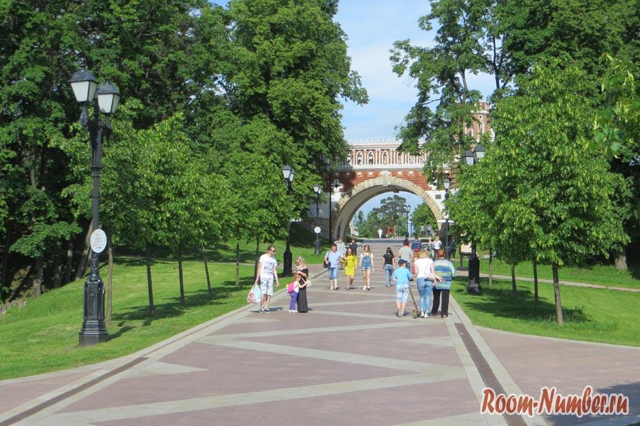 samyi-lychhiy-park-v-moskve-sharishino-7