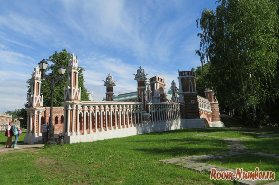 samyi-lychhiy-park-v-moskve-sharishino-8