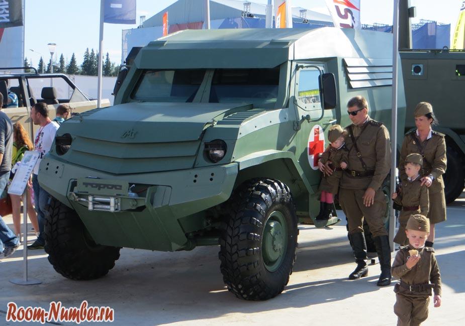 vystavka-armiya-2015-032