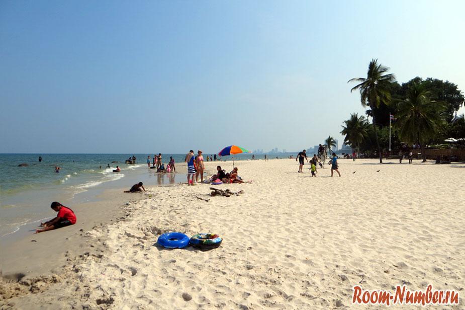Пляж в Хуа Хине правая часть