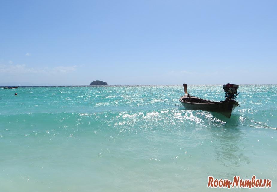 лодка в море на острове ко липе