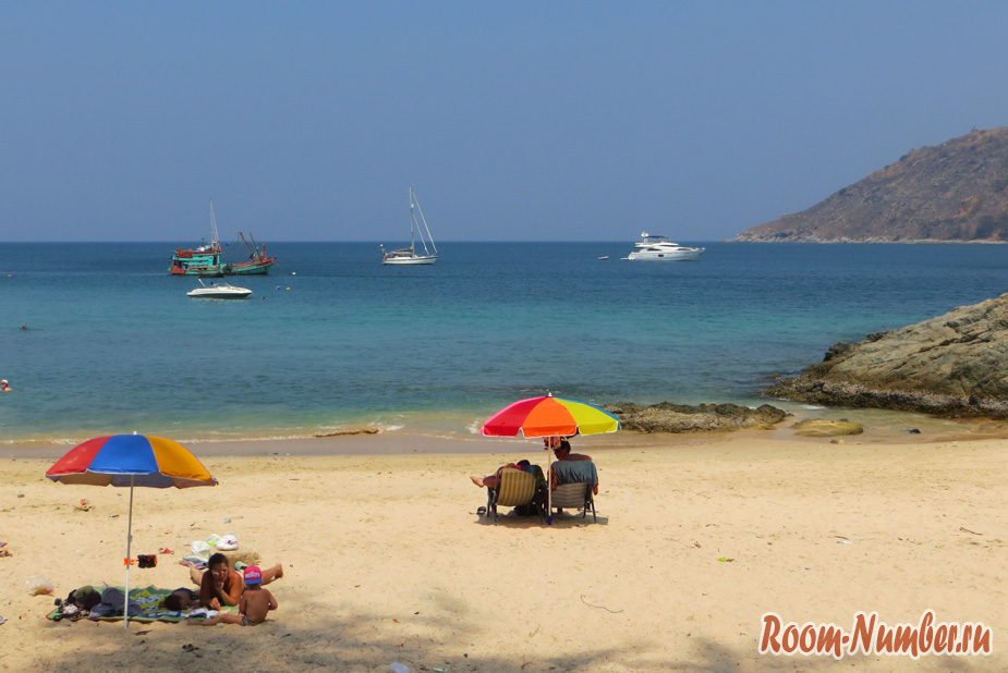 Пляж Януй, Пхукет. Отели и описание, как добраться до пляжа