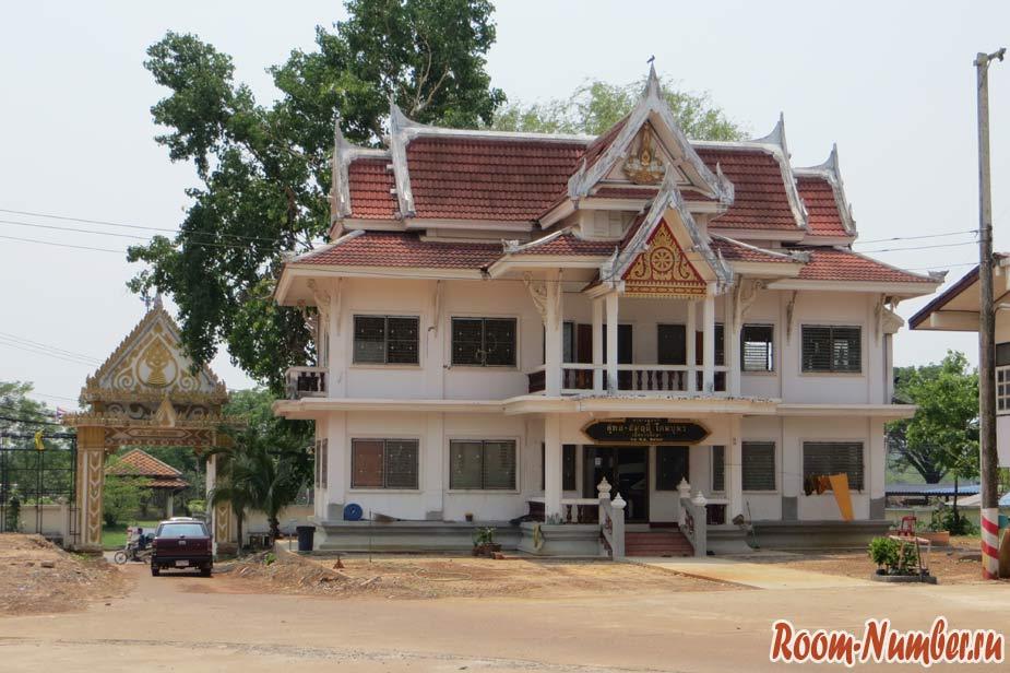Wat-Si-Khun-03