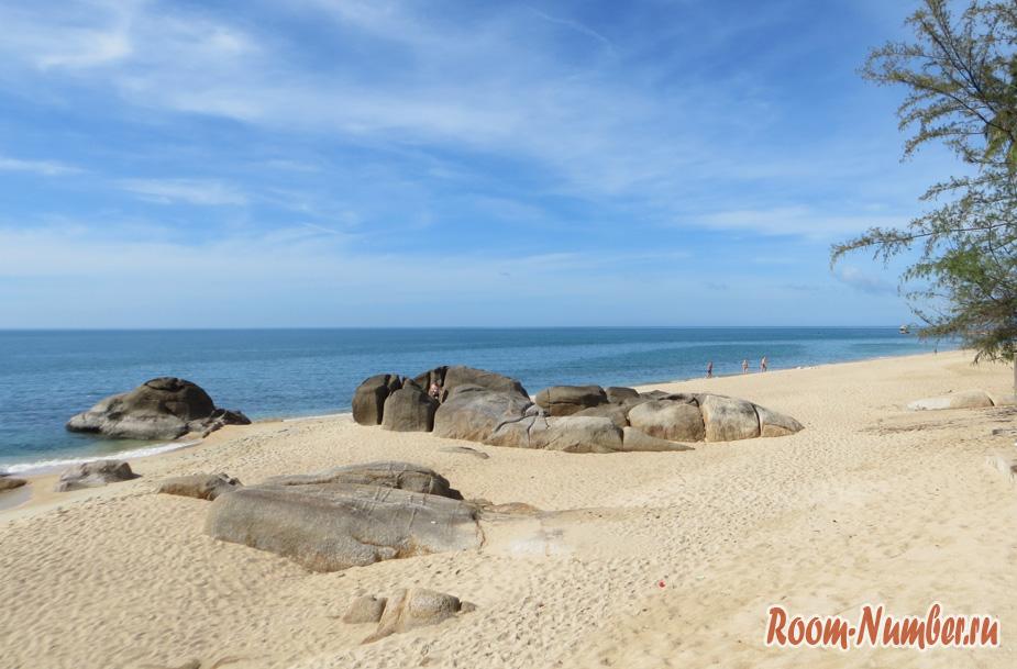 lamai beach stones