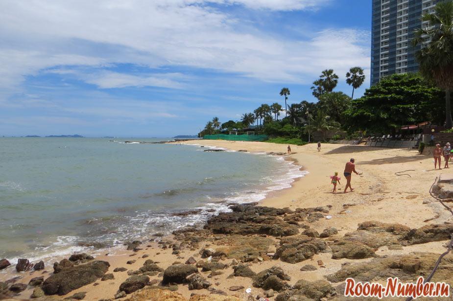 Bamboo-Beach-Pattaya-Naklua-02