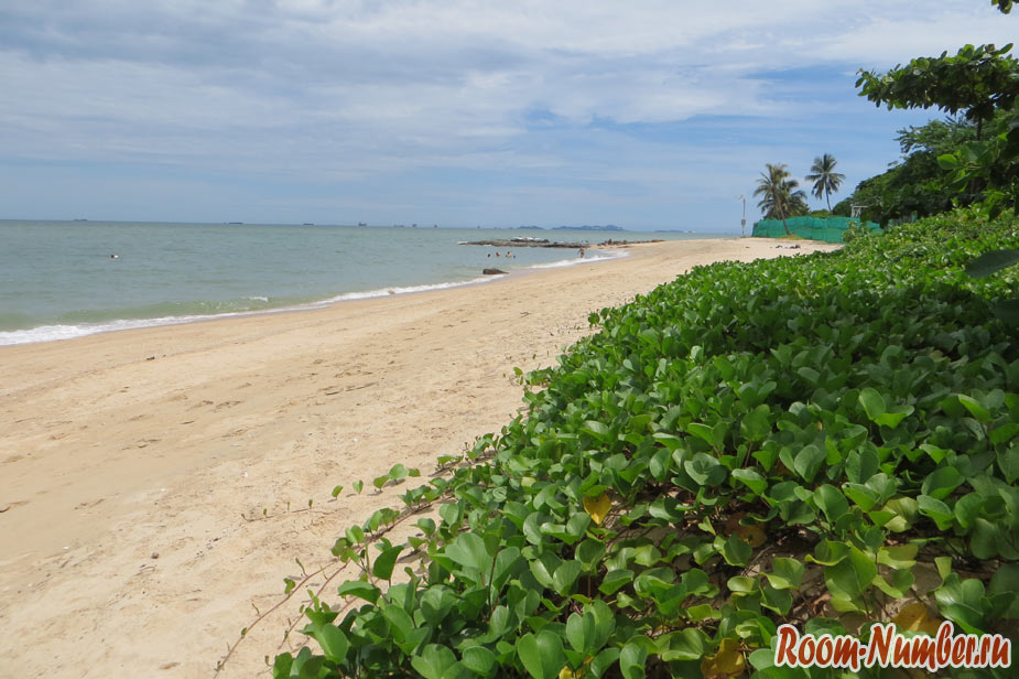Bamboo-Beach-Pattaya-Naklua-05