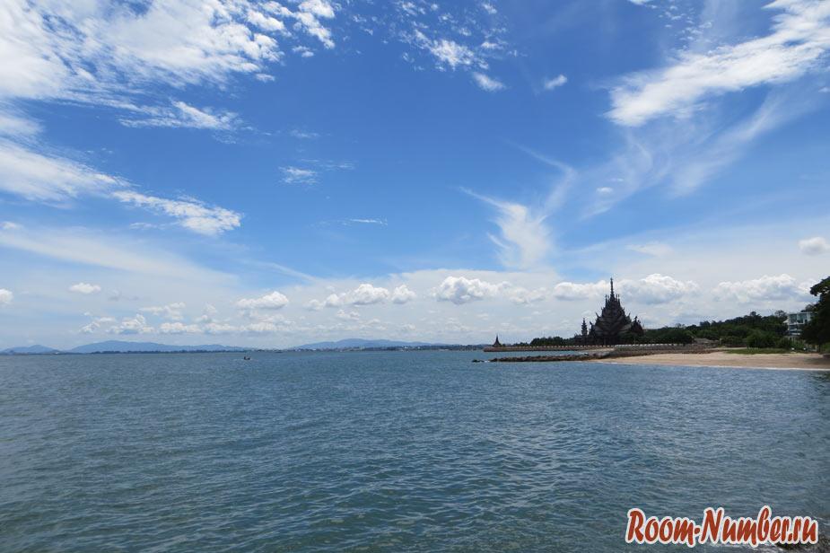 Bamboo-Beach-Pattaya-Naklua-09