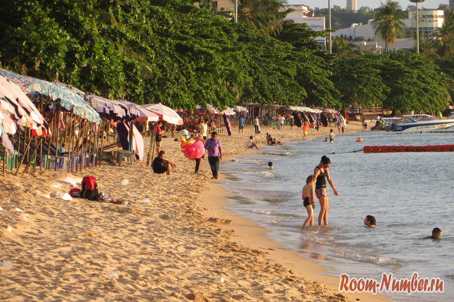 центральный городской пляж в паттайе