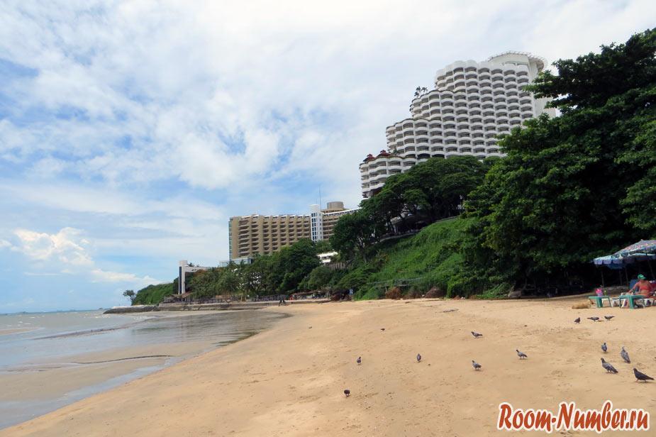 Пляж Кози бич, Паттайя. Считается лучшим пляжем в Паттайе