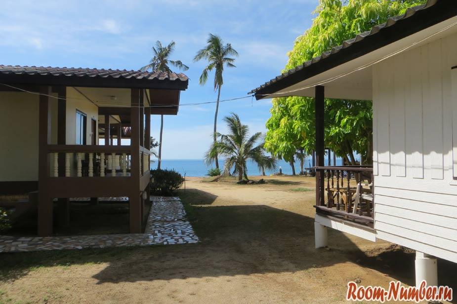 Отели Maenam beach