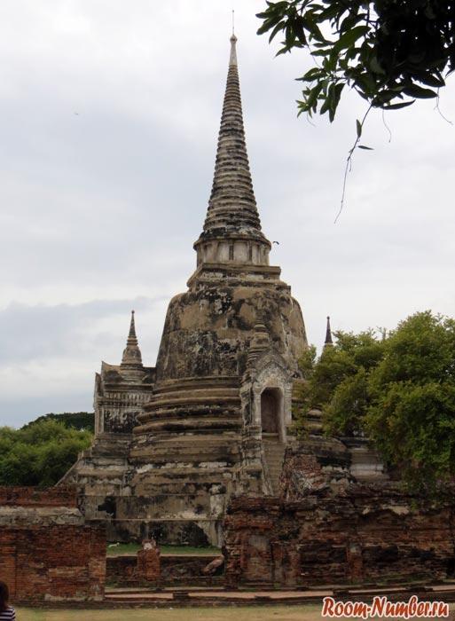 Ват Пхра Си Санпхет храм в аюттайе