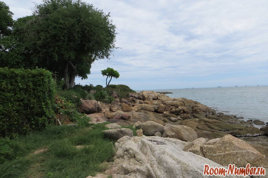 crescent-moon-beach-pattaya-06