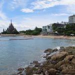 crescent-moon-beach-pattaya-150