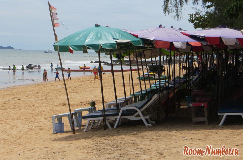 донгтан лежаки на пляже