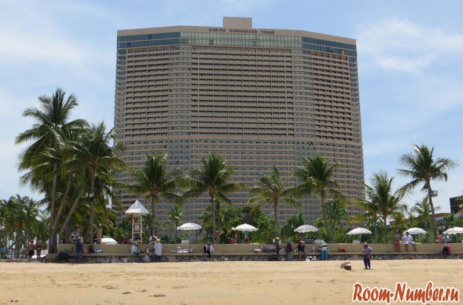 отель ambassador вид с пляжа