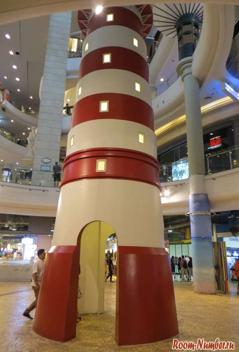 Маяк в ТЦ терминал 21 бангкок асок