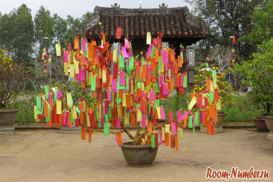 Van-Duc-Pagoda-05