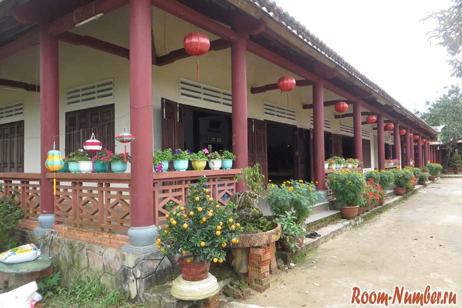 Van-Duc-Pagoda-09