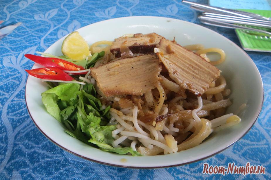 Где поесть в Хойане, если вам не по душе вьетнамская кухня