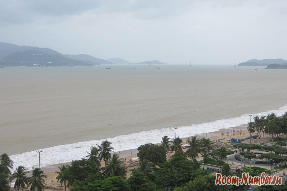 вид с крыши отеля Sun City Nha Trang